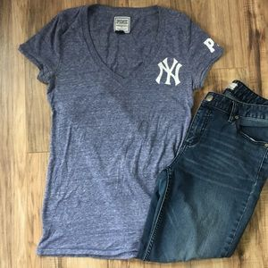 PINK Blue/White Heathered Yankees tee S